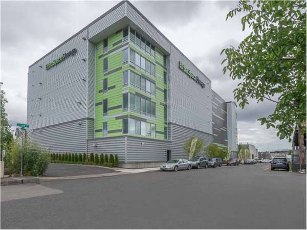 Image of Extra Space Storage Facility on 2311 NW 22nd Ave in Portland, OR
