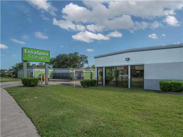 Image of Extra Space Storage Facility on 10617 Fuqua St in Houston, TX