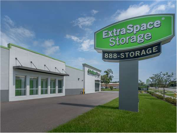 Image of Extra Space Storage Facility on 1850 N Hercules Ave in Clearwater, FL