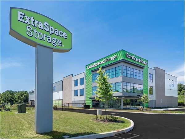 Image of Extra Space Storage Facility on 1240 Chester Pike in Crum Lynne, PA