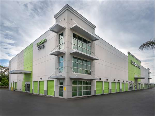 Image of Extra Space Storage Facility on 1510 S Tamiami Trl in Venice, FL