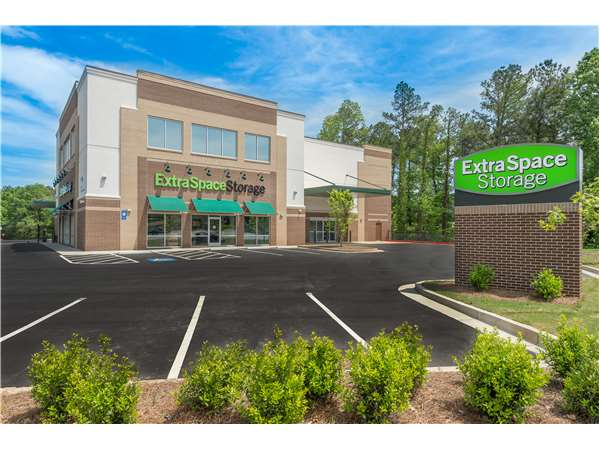 Image of Extra Space Storage Facility on 1587 Tibarron Pkwy SE in Smyrna, GA