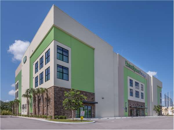 Image of Extra Space Storage Facility on 1520 Belvedere Rd in West Palm Beach, FL