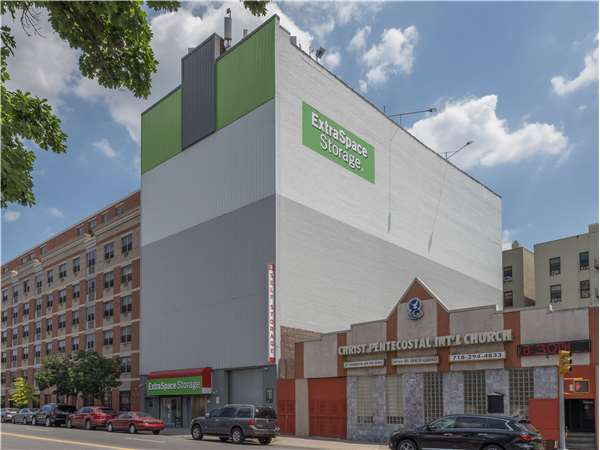 Image of Extra Space Storage Facility on 4268 3rd Ave in Bronx, NY