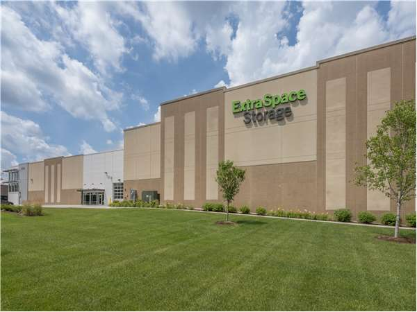 Image of Extra Space Storage Facility on 4095 Nicols Rd in Eagan, MN