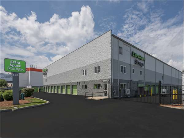 Image of Extra Space Storage Facility on 583 Lynnway in Lynn, MA