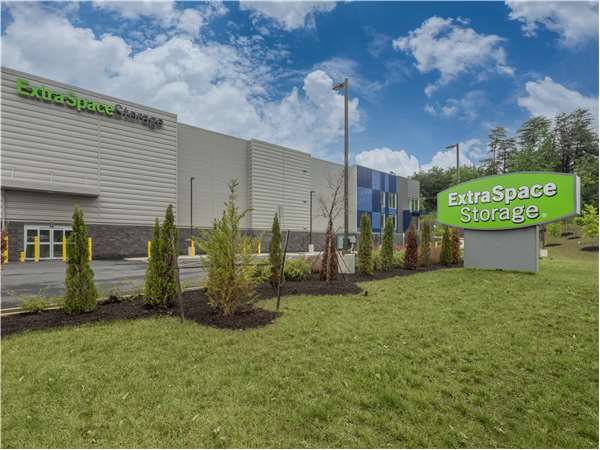 Image of Extra Space Storage Facility on 2795 Jefferson Davis Hwy in Stafford, VA