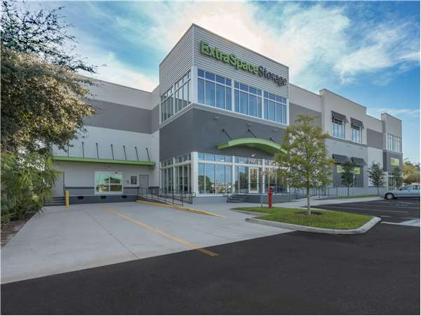 Image of Extra Space Storage Facility on 5400 S West Shore Blvd in Tampa, FL