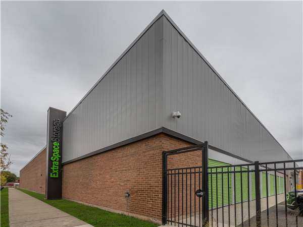 Image of Extra Space Storage Facility on 57 W 85th St in Chicago, IL