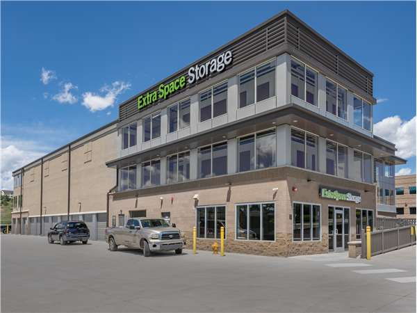 Image of Extra Space Storage Facility on 2555 S Lewis Way in Lakewood, CO