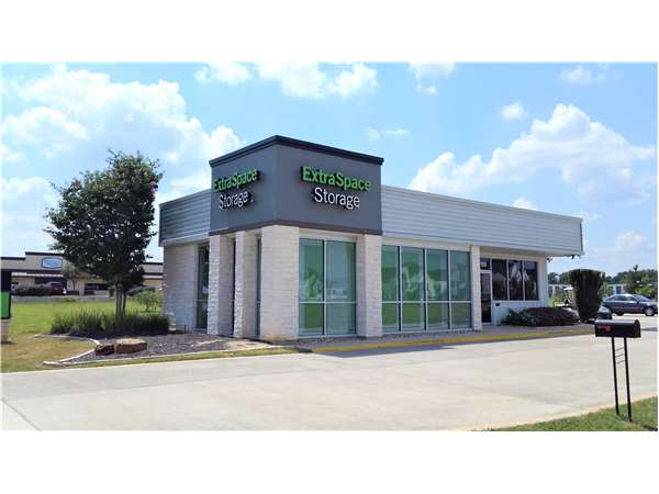 Image of Extra Space Storage Facility on 11800 Hero Way W in Leander, TX