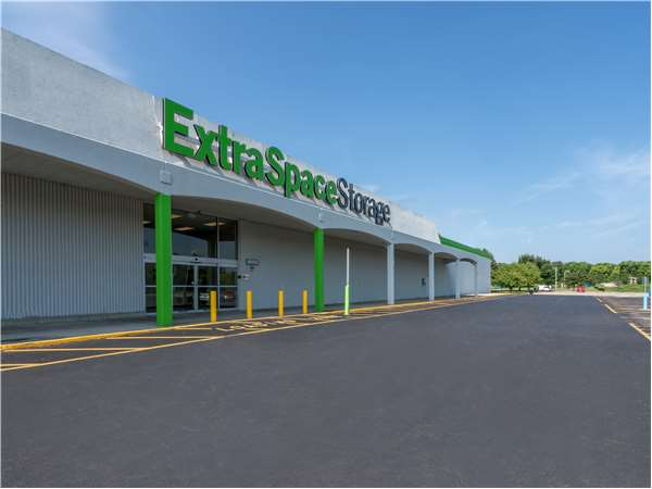 Image of Extra Space Storage Facility on 3469 S High St in Columbus, OH