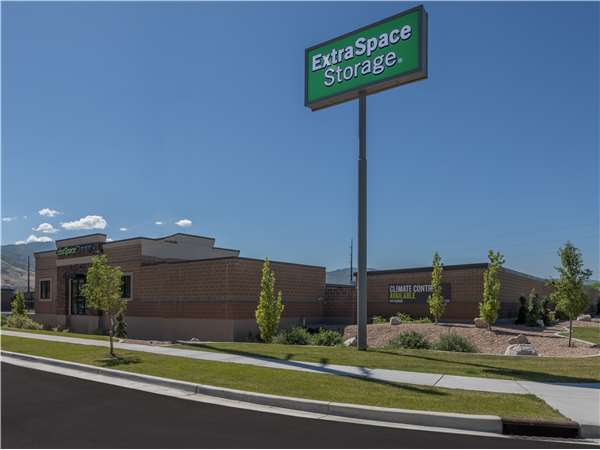 Image of Extra Space Storage Facility on 1155 W 200 N in Centerville, UT
