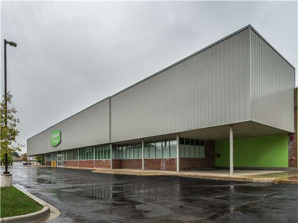 Image of Extra Space Storage Facility on 3940 E 106th St in Chicago, IL