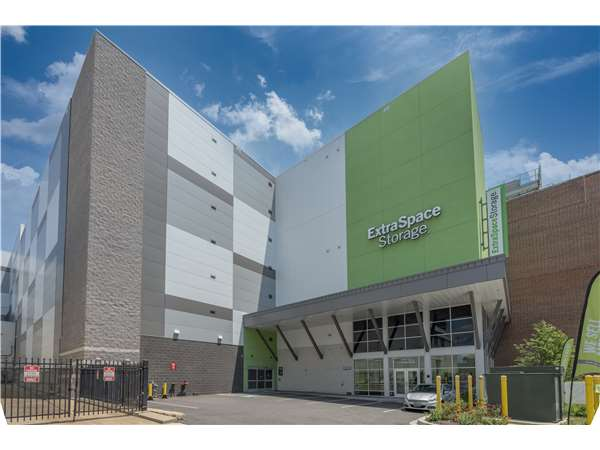 Image of Extra Space Storage Facility on 72 Florida Ave NE in Washington, DC
