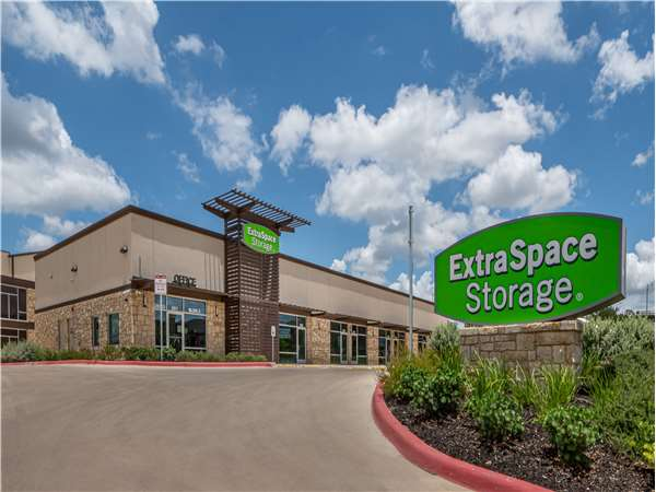 Image of Extra Space Storage Facility on 20523 Stone Oak Pkwy in San Antonio, TX
