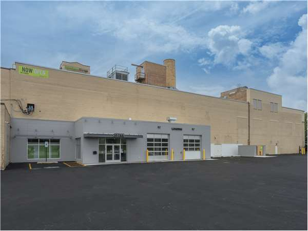 Image of Extra Space Storage Facility on 1334 E 79th St in Chicago, IL
