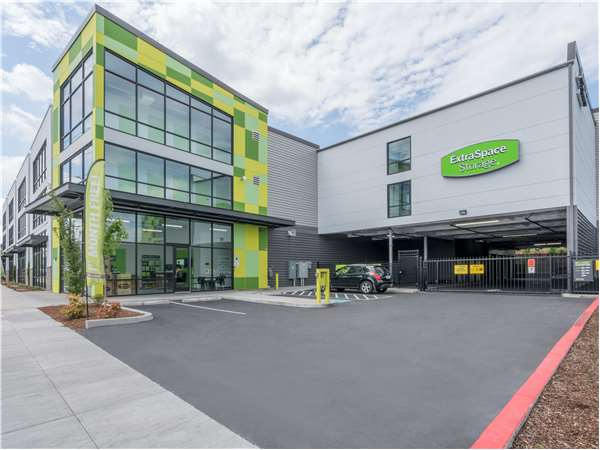Image of Extra Space Storage Facility on 12323 SE Division St in Portland, OR