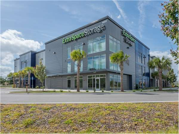 Image of Extra Space Storage Facility on 10959  Lake Underhill Rd in Orlando, FL