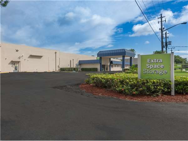 Image of Extra Space Storage Facility on 3111 SW 14th Ct in Pompano Beach, FL