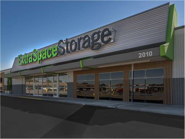 Image of Extra Space Storage Facility on 2010 N Main St in Layton, UT