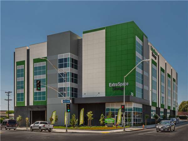 Image of Extra Space Storage Facility on 715 Centinela Ave in Inglewood, CA