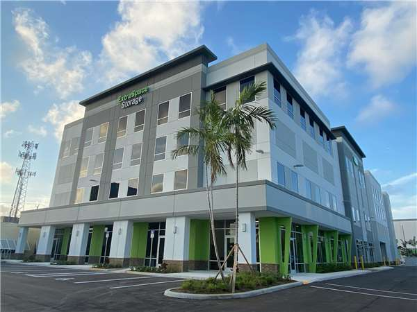 Image of Extra Space Storage Facility on 2401 W Broward Blvd in Fort Lauderdale, FL