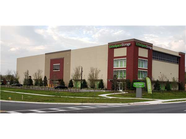 Image of Extra Space Storage Facility on 1071 Marshall Farms Rd in Ocoee, FL