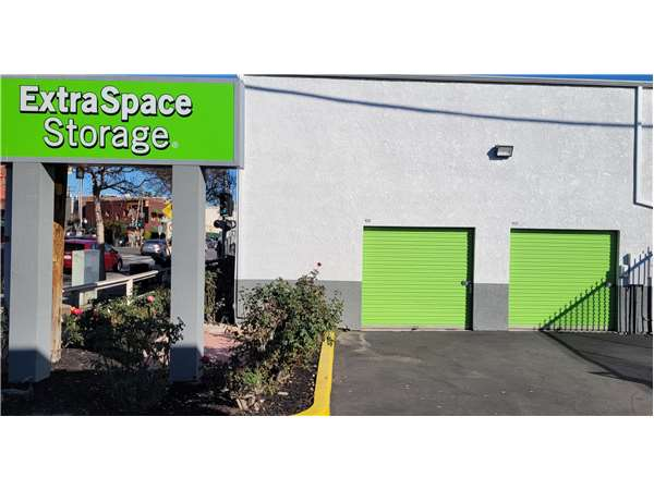 Image of Extra Space Storage Facility on 919 Mission St in South Pasadena, CA