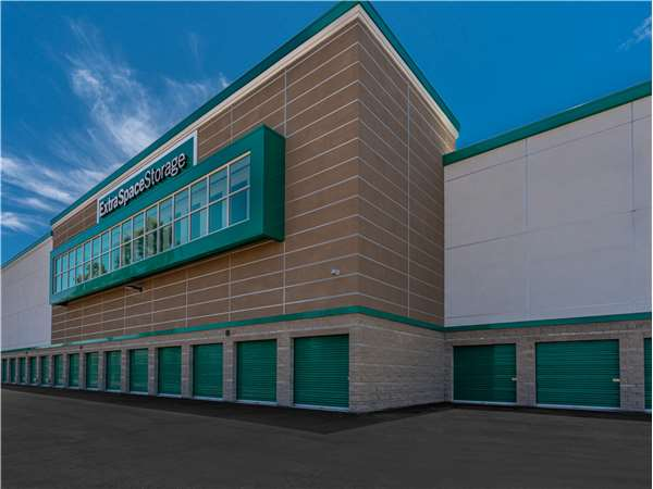 Image of Extra Space Storage Facility on 17 Shield in Irvine, CA
