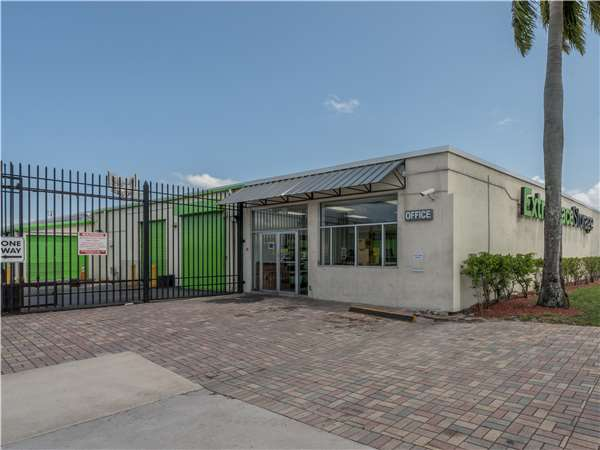 Image of Extra Space Storage Facility on 2290 NW 19th St in Fort Lauderdale, FL