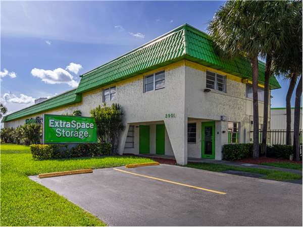 Image of Extra Space Storage Facility on 3901 W Sunrise Blvd in Fort Lauderdale, FL