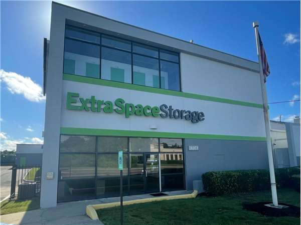 Image of Extra Space Storage Facility on 380 Oakwood Rd in Huntington Station, NY