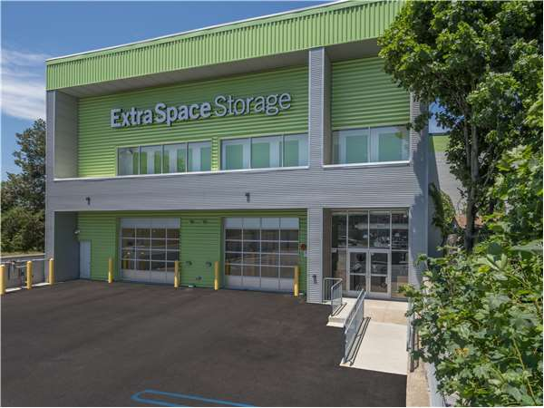 Image of Extra Space Storage Facility on 1150 Broadway in Hewlett, NY