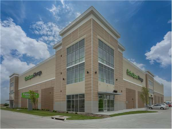 Image of Extra Space Storage Facility on 530 S Wildcat Ln in Wichita, KS