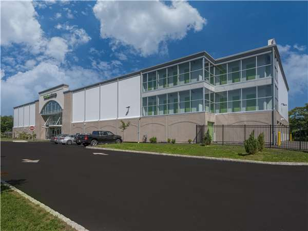 Image of Extra Space Storage Facility on 141 US-206 in Hillsborough, NJ