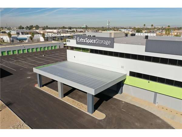 Image of Extra Space Storage Facility on 3615 N 27th Ave in Phoenix, AZ