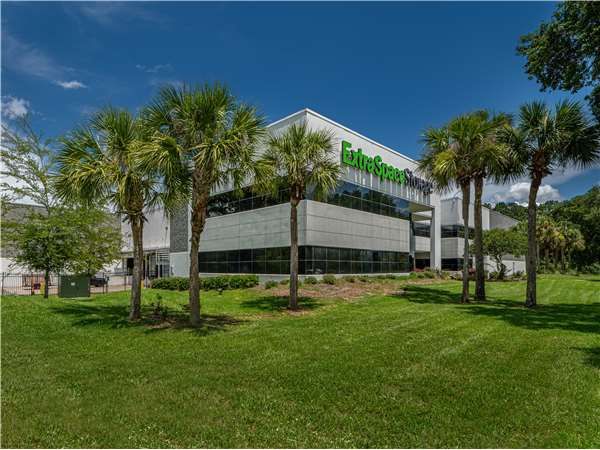Image of Extra Space Storage Facility on 6611 Southpoint Pkwy in Jacksonville, FL