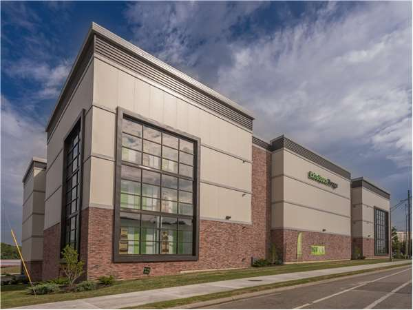 Image of Extra Space Storage Facility on 500 SW Blvd in Kansas City, KS
