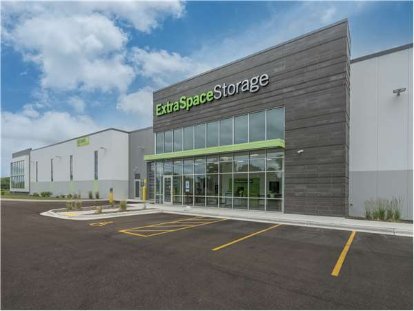 Image of Extra Space Storage Facility on 9001 Wilmot Rd in Pleasant Prairie, WI