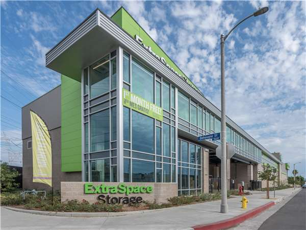 Image of Extra Space Storage Facility on 6880 Troost Ave in North Hollywood, CA