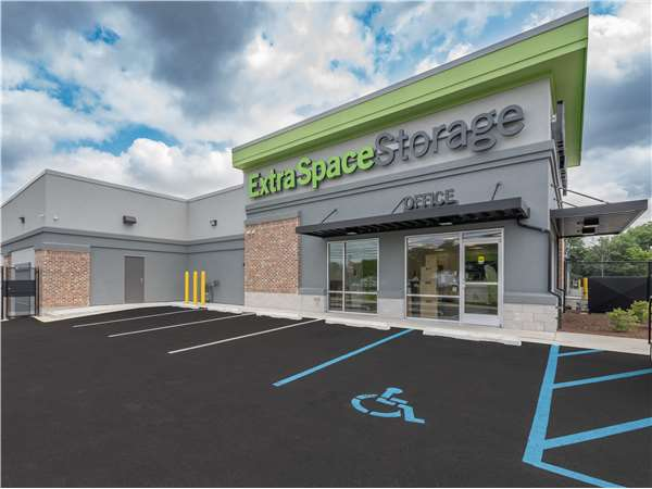 Image of Extra Space Storage Facility on 144 S Dupont Hwy in New Castle, DE