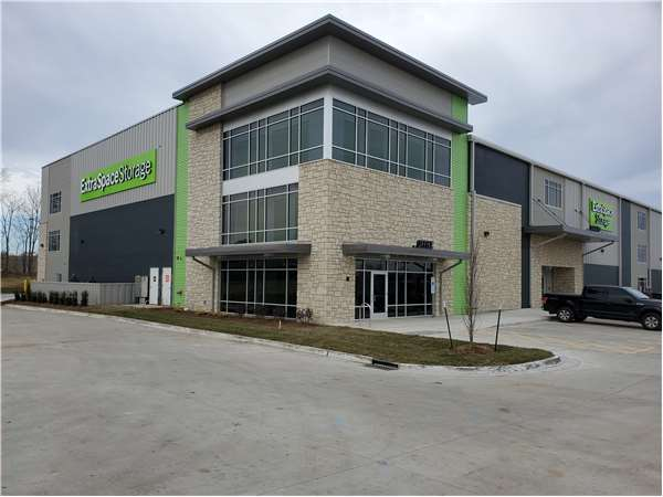 Image of Extra Space Storage Facility on 715 SW 7 Hwy in Blue Springs, MO