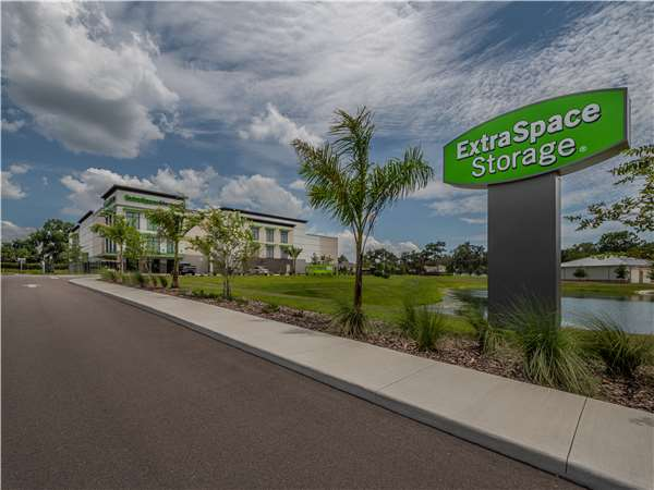 Image of Extra Space Storage Facility on 13665 Fishhawk Blvd in Lithia, FL