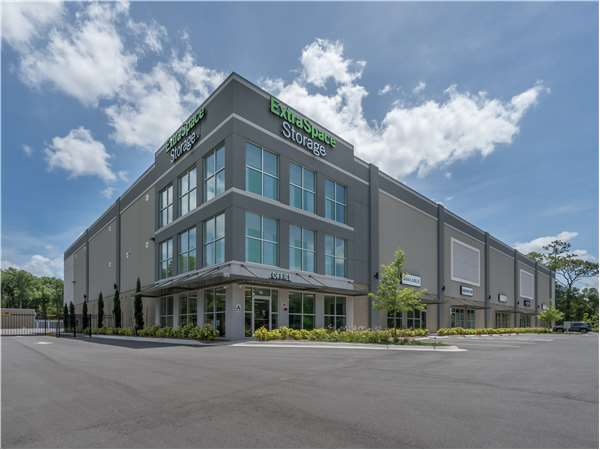 Image of Extra Space Storage Facility on 1575 S State Road 15A in Deland, FL
