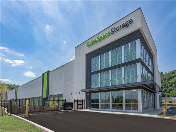 Image of Extra Space Storage Facility on 111 Hickory Grade Rd in Bridgeville, PA