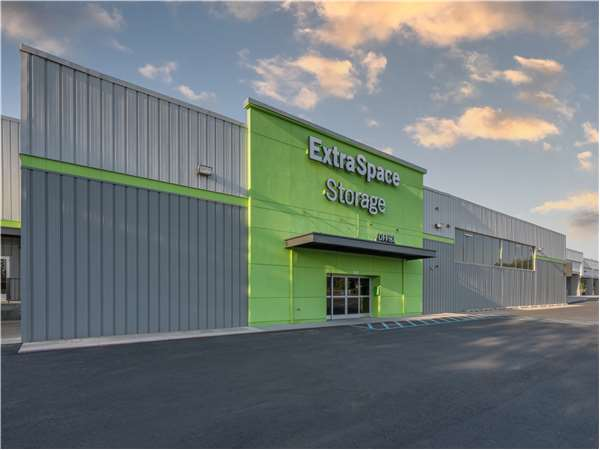Image of Extra Space Storage Facility on 7615 N Division St in Spokane, WA