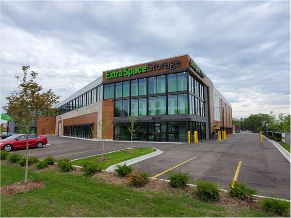 Image of Extra Space Storage Facility on 24200 Gratiot Ave in Eastpointe, MI