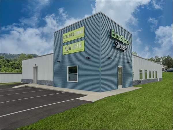 Image of Extra Space Storage Facility on 5223 Grant Line Rd in New Albany, IN