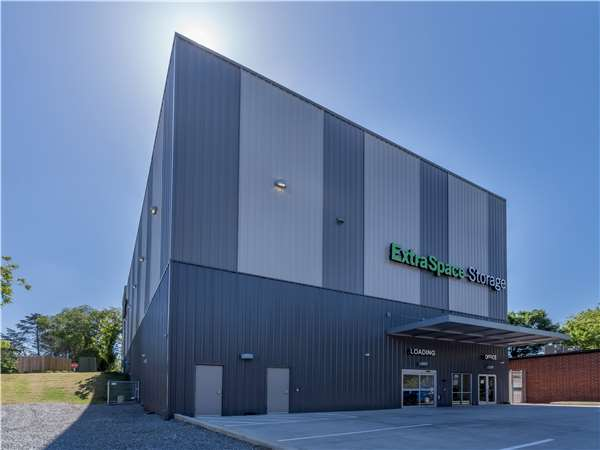 Image of Extra Space Storage Facility on 924 Northside Dr NW in Atlanta, GA